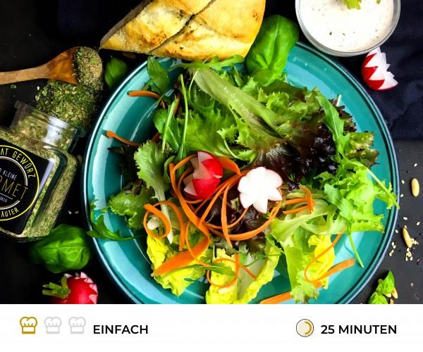 Salat-mit-Kr-uterdressing